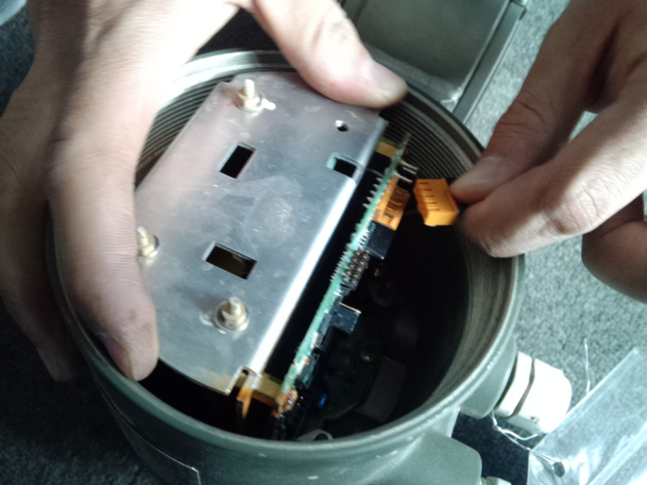 横河SE电磁流量计传感器的检查